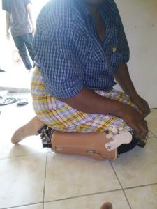 kaki palsu sholat jop adalah kaki palsu yang bisa di gunakan untuk sholat. jadi pemakai kaki palsu tidak perlu melepaskan kaki palsu saat akan melakukan ibadah sholat